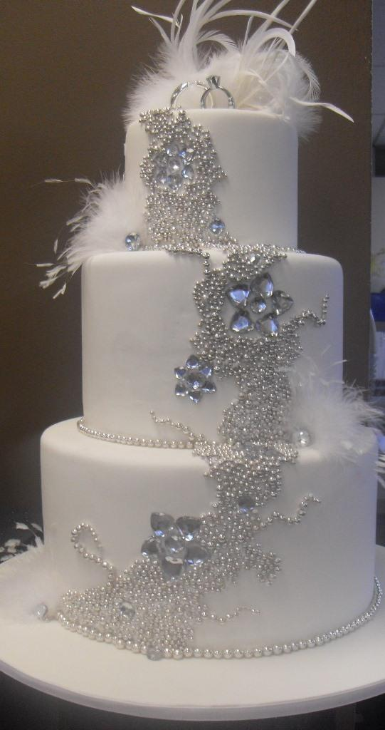8 Wedding Cakes With Bling And Feather Photo Wedding Cake With