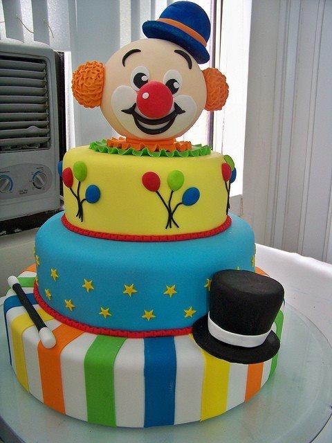 Stupendous 11 Circus Clown Cakes Photo Circus Clown Birthday Cake Circus Funny Birthday Cards Online Inifodamsfinfo