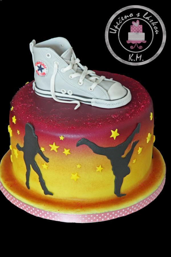 Brilliant 5 Rap Themed Birthday Cakes Photo Hip Hop Birthday Cake Ideas Funny Birthday Cards Online Inifodamsfinfo