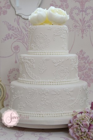 11 Info Modern Lace Wedding Cakes Photo Rose Lace Wedding Cake