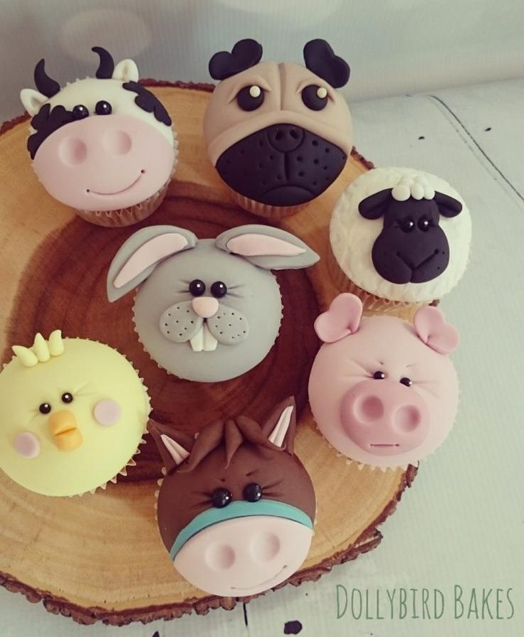 9 Critter Cakes And Cupcakes Photo