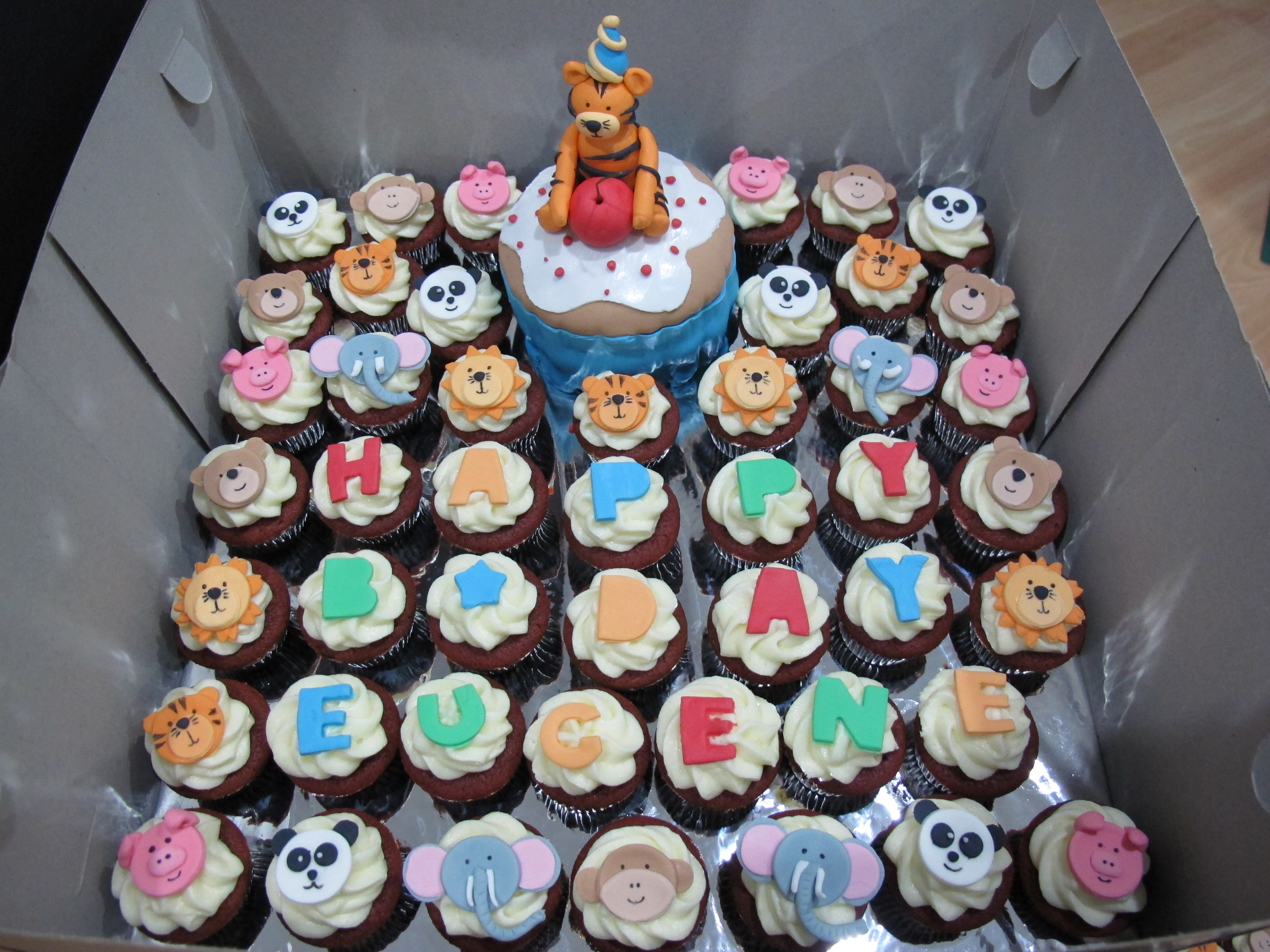 Cupcake Birthday Cakes For A 1 Year Old Boy