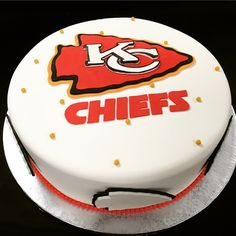 Strange 9 Kansas City Chiefs Cakes Have Layers That Photo Kansas City Funny Birthday Cards Online Overcheapnameinfo