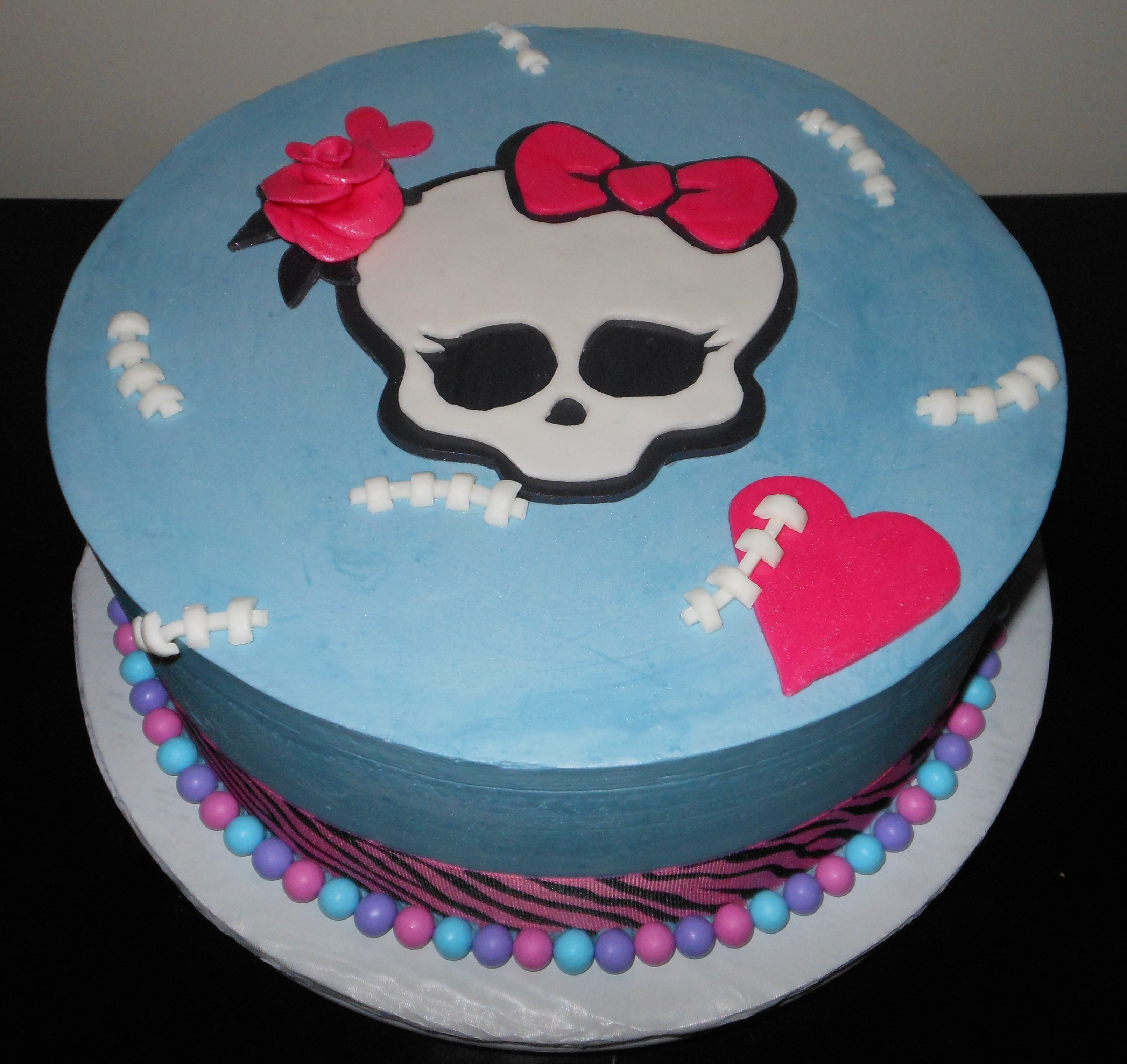 Cool 10 Monster High Birthday Cakes At A Bakery Photo Best Bakeries Funny Birthday Cards Online Barepcheapnameinfo