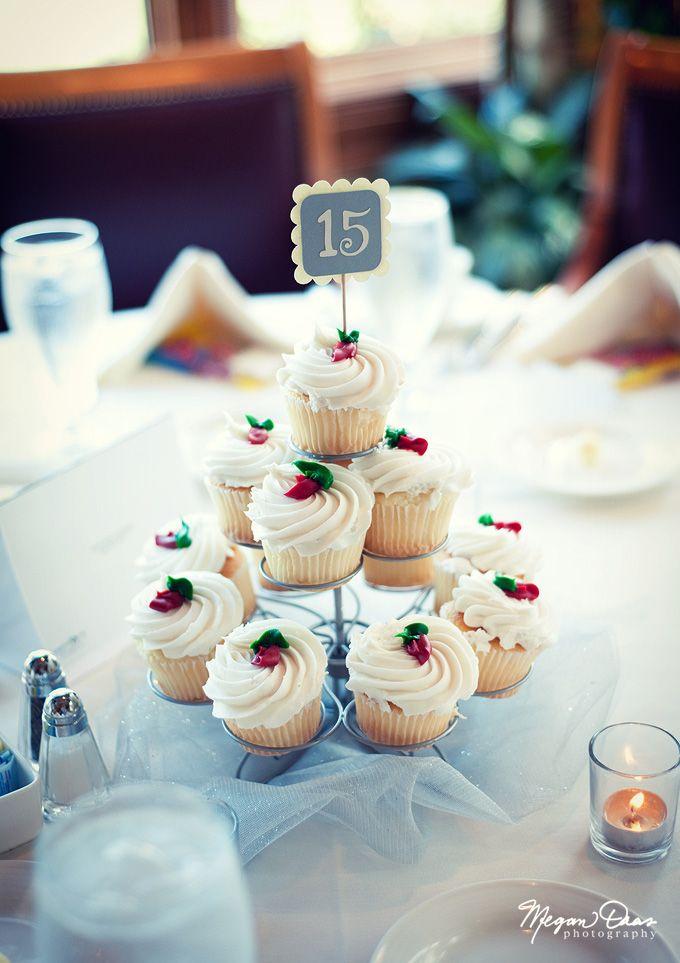 8 Wedding Cupcakes As Centerpieces Photo Wedding Cupcake Table