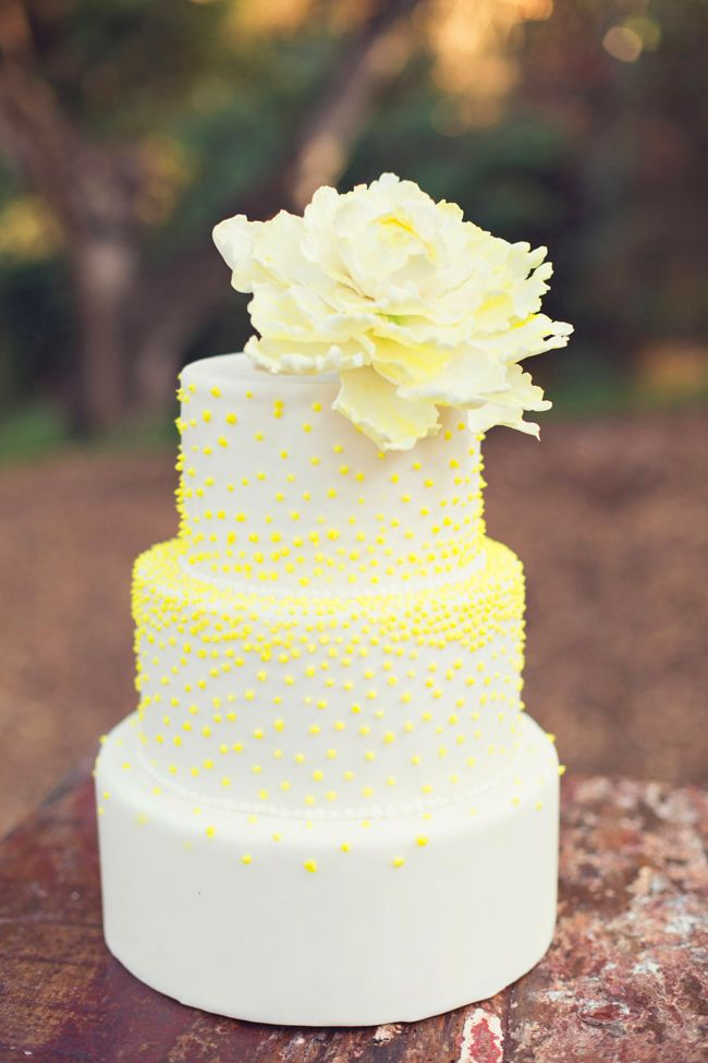 11 Unique Wedding Cakes Yellow Photo - Unique-Yellow-And-White ...