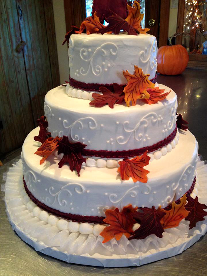 8 Limb With Leaves Autumn Wedding Cakes Photo Fall Leaves Wedding