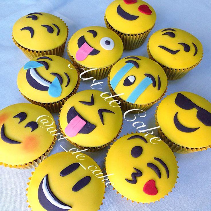 9 funny emoji cupcakes photo emoji birthday cake cupcakes emoji