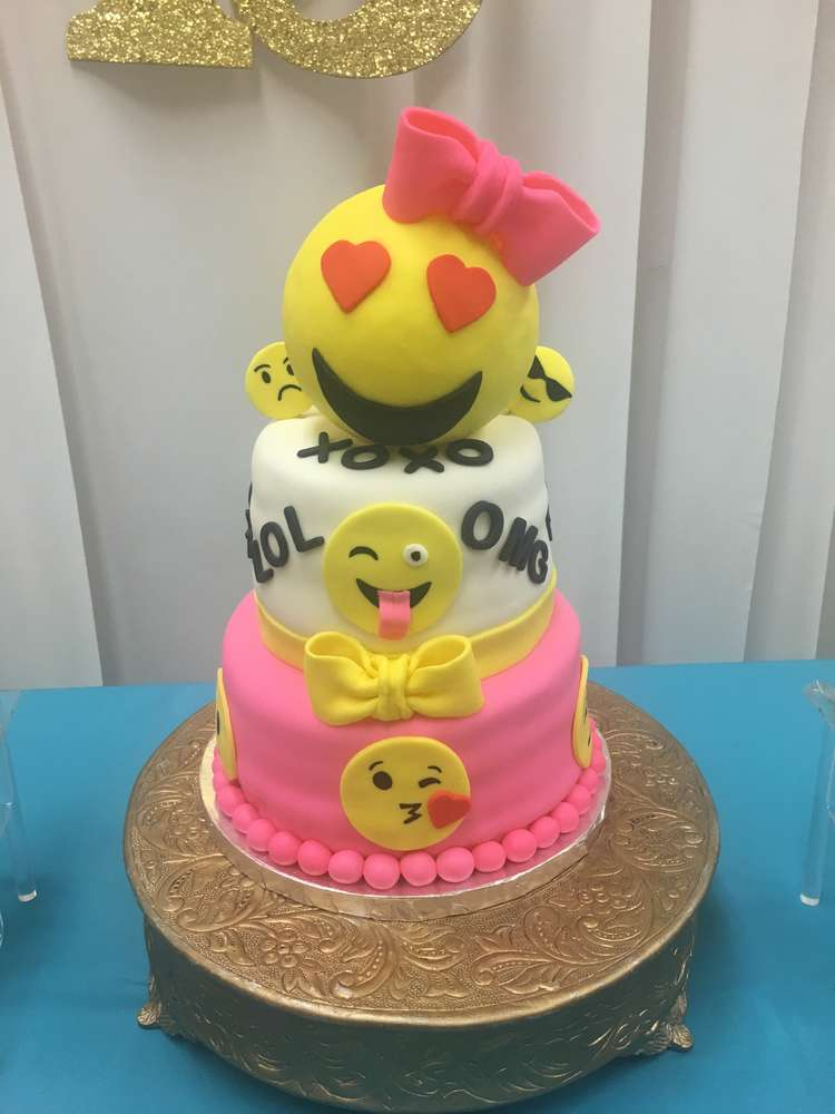 Emoji Birthday Party Cake Ideas