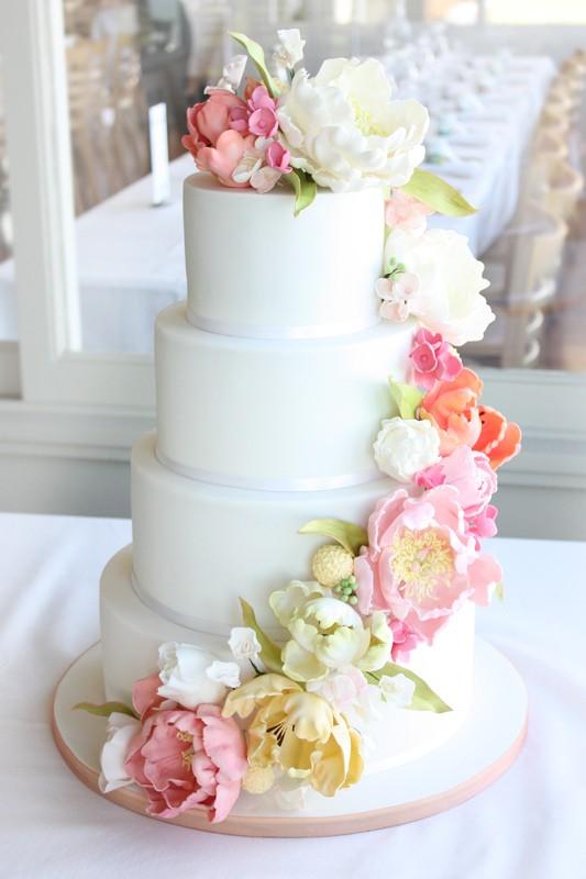 11 Pretty Fresh Flower Cakes Photo Pretty Simple Wedding Cake With