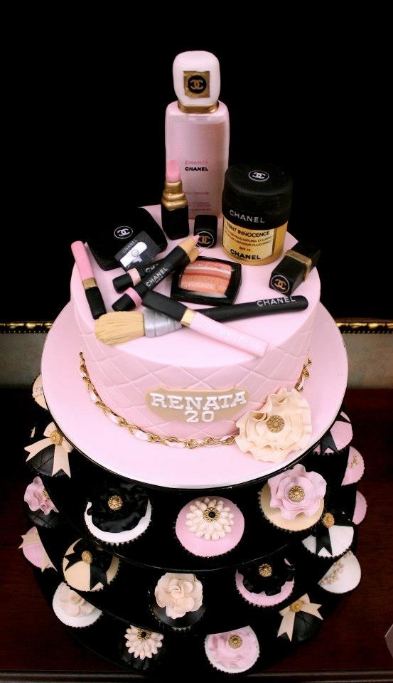 12 Girly Makeup Cakes Photo