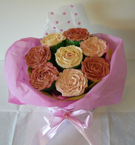 Magnificent 11 Roses Flower Bouquet Cakes Photo Cake Flower Bouquet Funny Birthday Cards Online Hetedamsfinfo