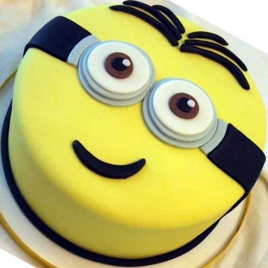 Fine 10 Simple Homemade Cakes Minion Photo Despicable Me Minion Cake Personalised Birthday Cards Paralily Jamesorg