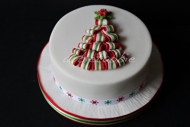 10 Easy 3d Christmas Cakes Photo 3d Christmas Tree Cake Fondant