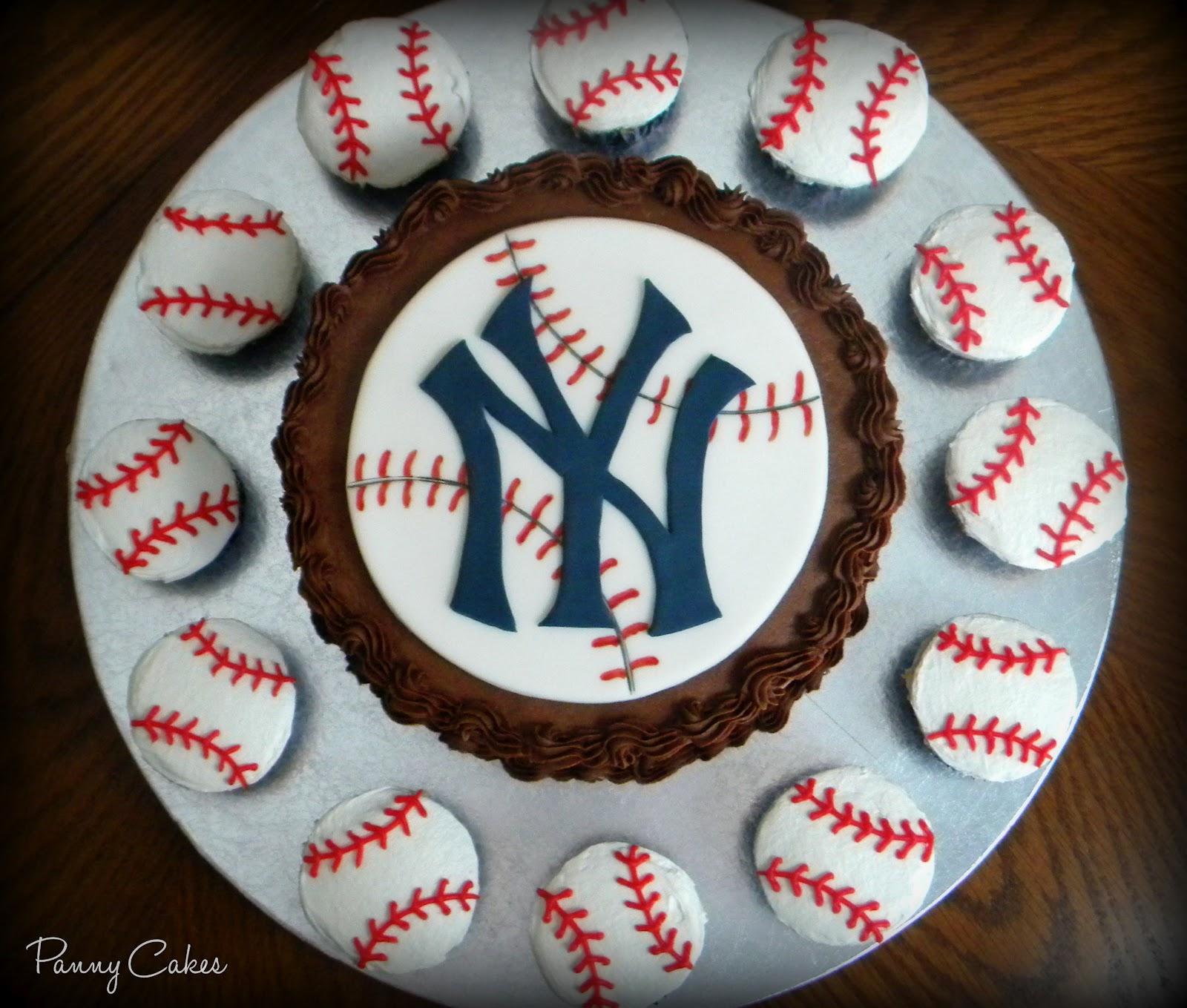 Tremendous 10 Ny Yankees Cupcakes And Cakes Photo New York Yankees Birthday Funny Birthday Cards Online Benoljebrpdamsfinfo