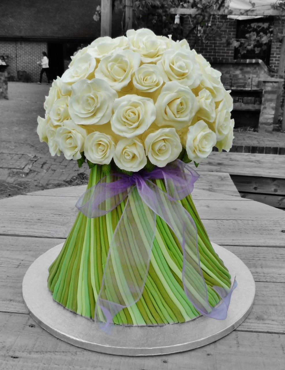 11 roses flower bouquet cakes photo cake flower bouquet birthday rose bouquet cake flowers izmirmasajfo