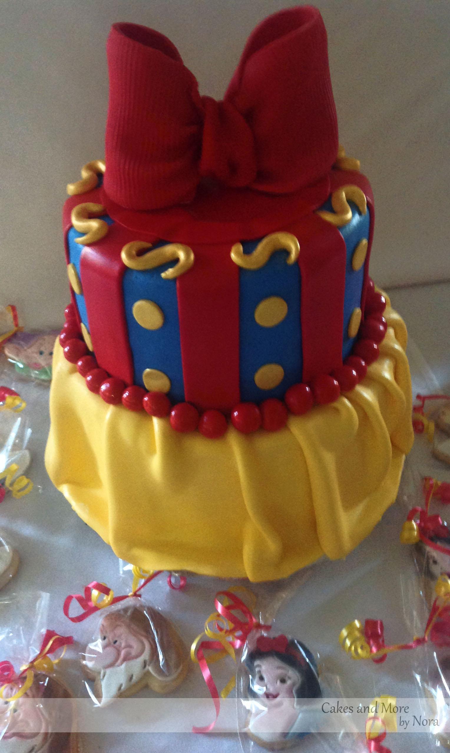 Peachy 12 Snow Birthday Cake Birthday Cakes Photo Snow White Birthday Funny Birthday Cards Online Alyptdamsfinfo