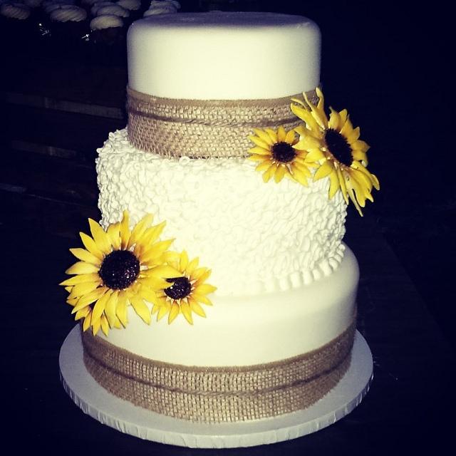 9 Burlap Wedding Square Cakes With Sunflowers Photo - Rustic ...