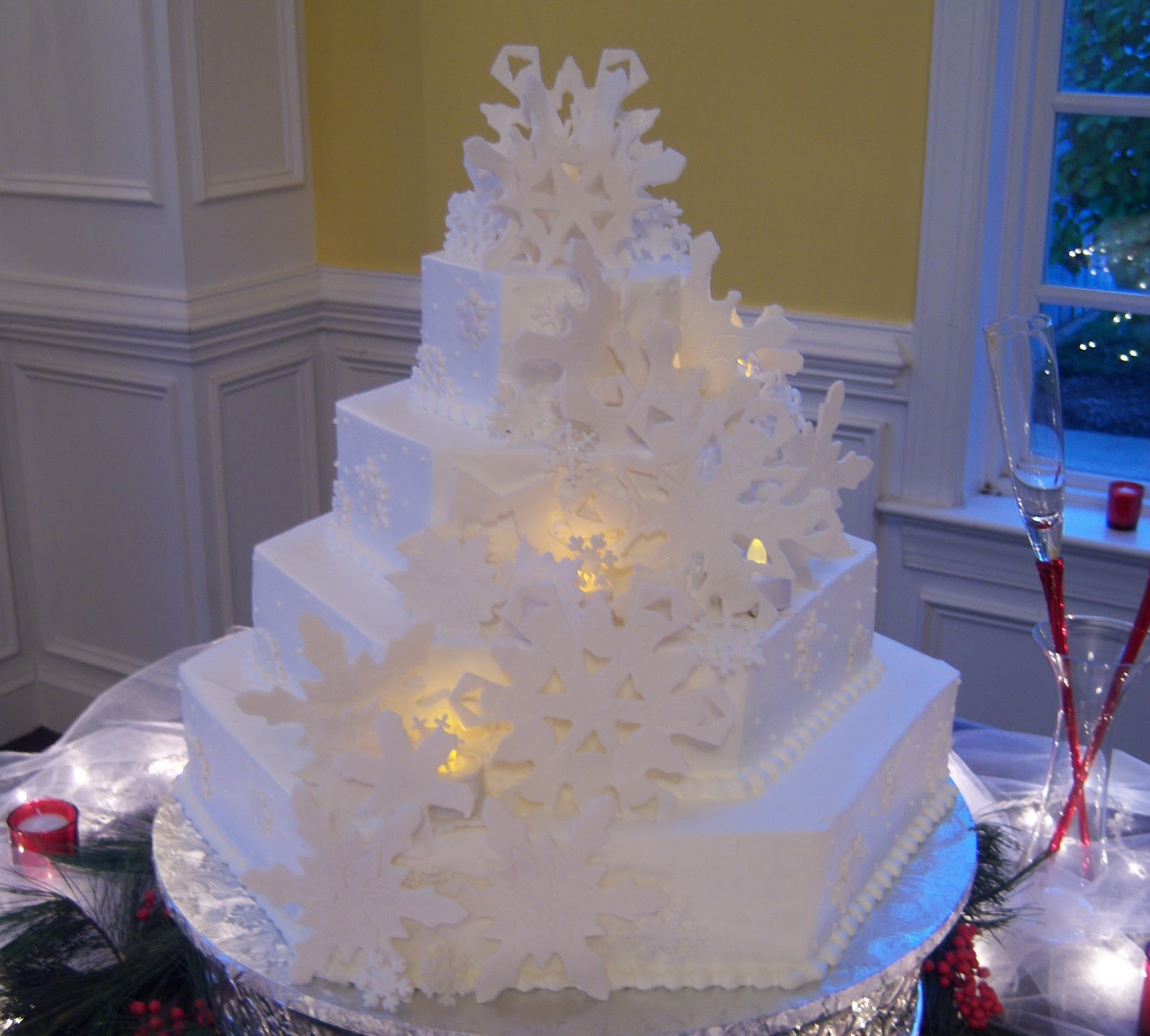 Wonderland Winter wedding cakes pictures catalog photo