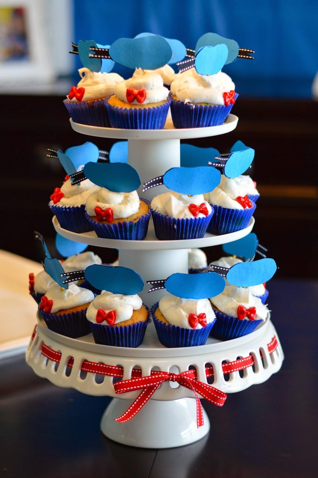 11 Donald Duck Party Cupcakes Photo Donald Duck Cupcakes Donald