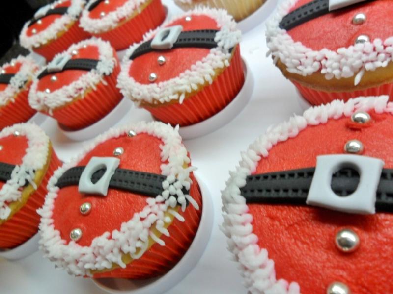 santa belly cupcakes