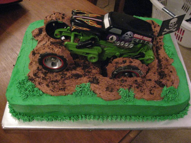 Fabulous 11 Birthday Cakes Monster Trucks Mudding Photo Mud Truck Cake Funny Birthday Cards Online Aboleapandamsfinfo