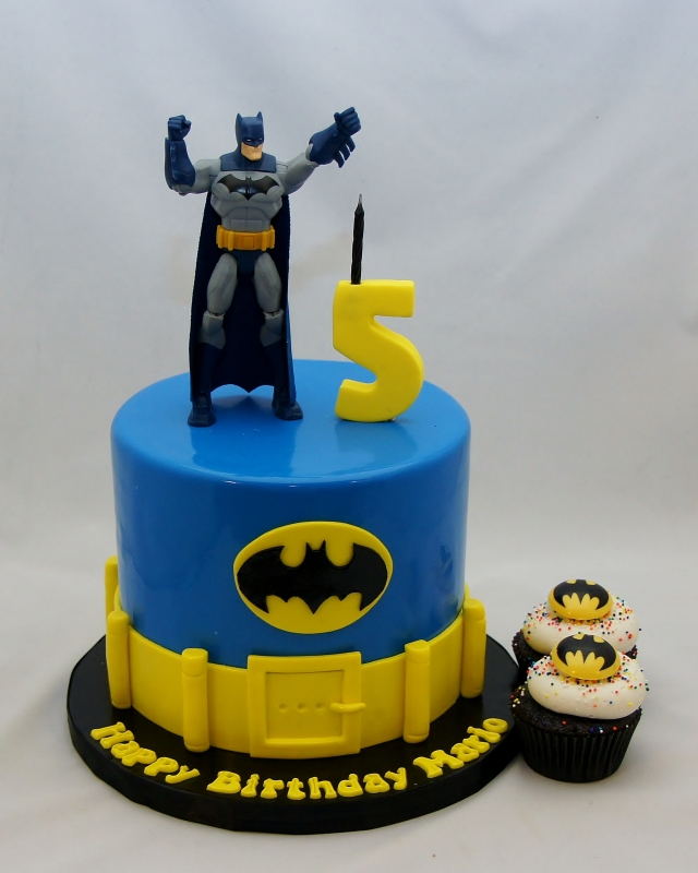 Fabulous 11 Batman Birthday Cupcakes Photo Batman Cupcakes Batman Personalised Birthday Cards Veneteletsinfo
