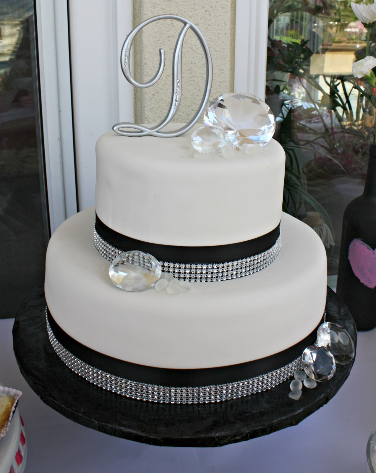 10 Shower Black And White Wedding Cakes Photo - Black and White ...