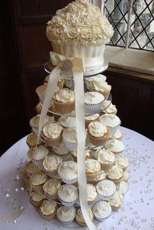 10 Ndd With Black White Wedding Cakes Beautiful Cupcakes Photo