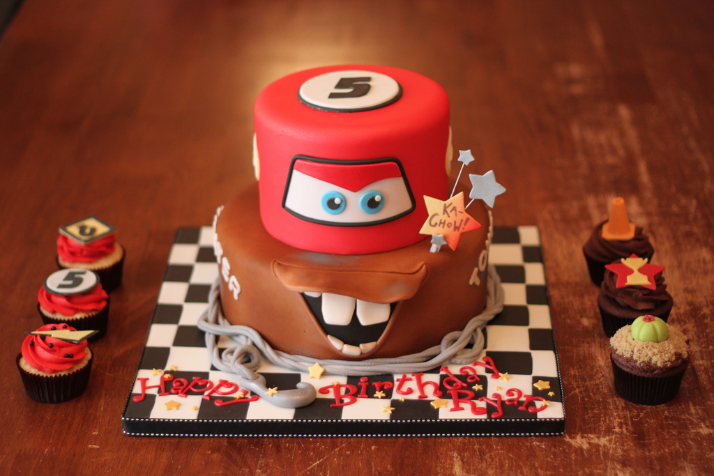 12 Best Cars For A 25 Year Old Birthday Cakes Photo Cars Birthday