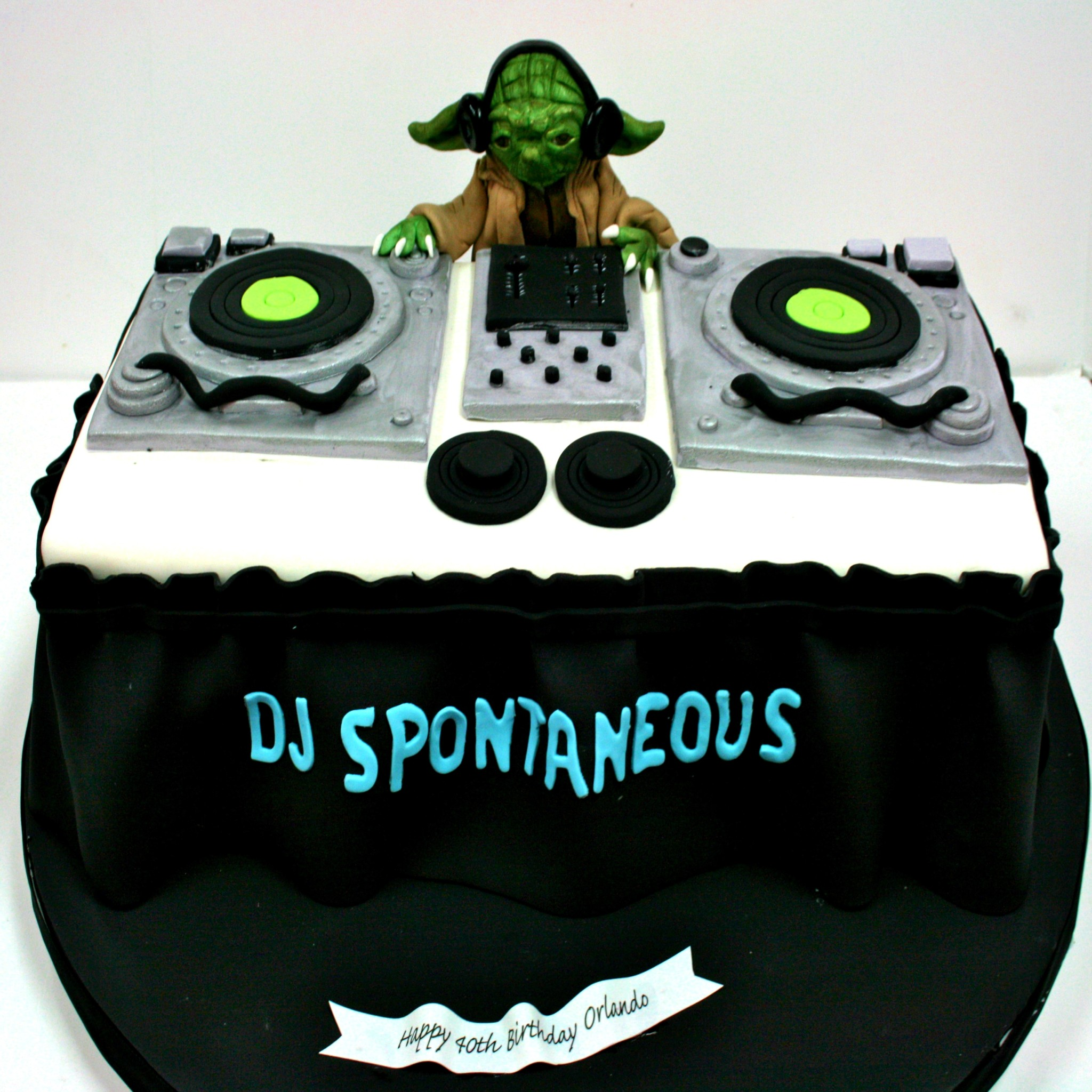 Marvelous 10 Dj Turntables Birthday Cakes Photo Dj Turntable Birthday Cake Personalised Birthday Cards Cominlily Jamesorg