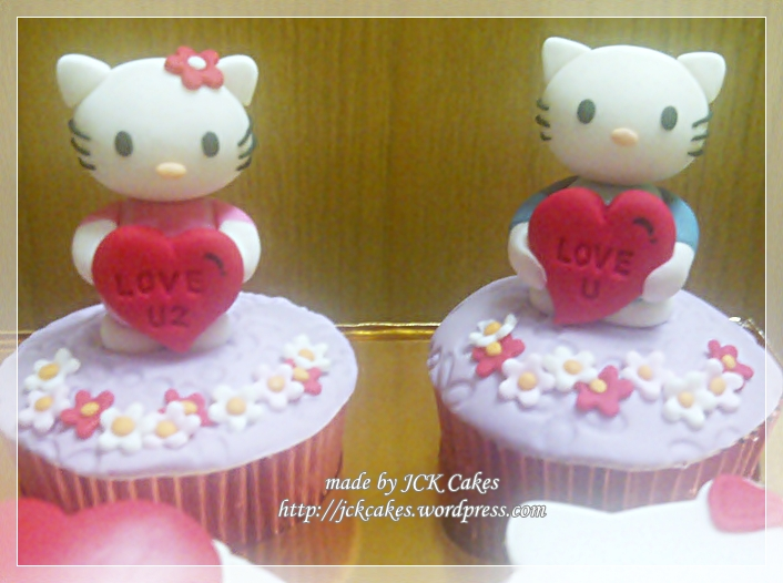 7 Valentine Hello Kitty Cupcakes Photo - Hello Kitty Valentine\u0027s Day
