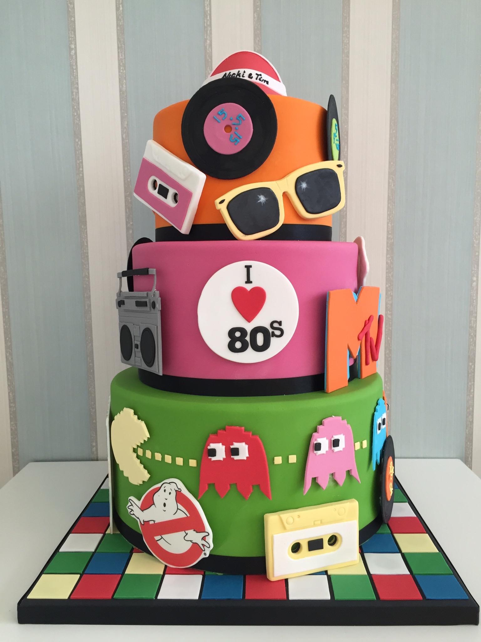 10 Wedding Cakes Of The 80 S Photo Traditional Wedding Cake