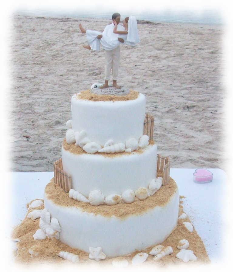 13 seaside wedding cakes photo beach wedding cake ideas beach beach wedding cake ideas junglespirit Gallery