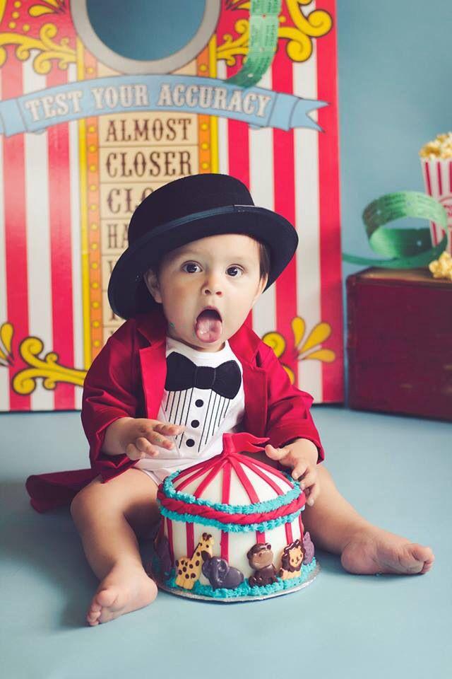 6 Circus Themed Smash Cakes Photo Circus Theme Birthday Smash Cake