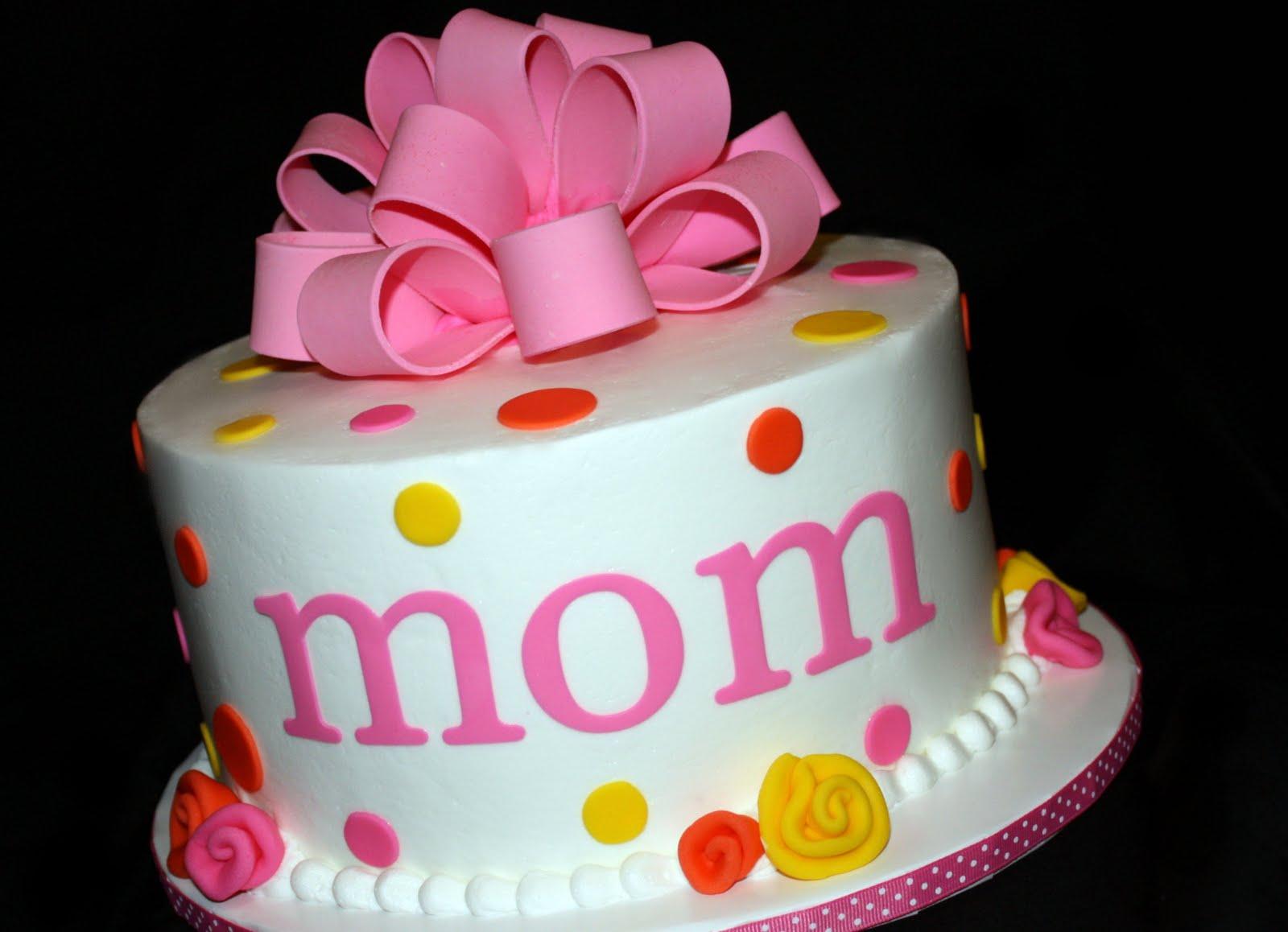 Sensational 9 Queen For Mom Elegant Birthday Cakes Photo Moms Birthday Cake Personalised Birthday Cards Beptaeletsinfo