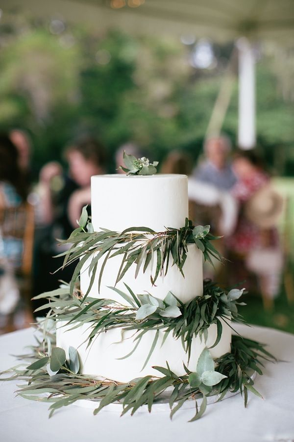 wedding cake with green leaves 12 green foliage for wedding cakes photo wedding cake 26903