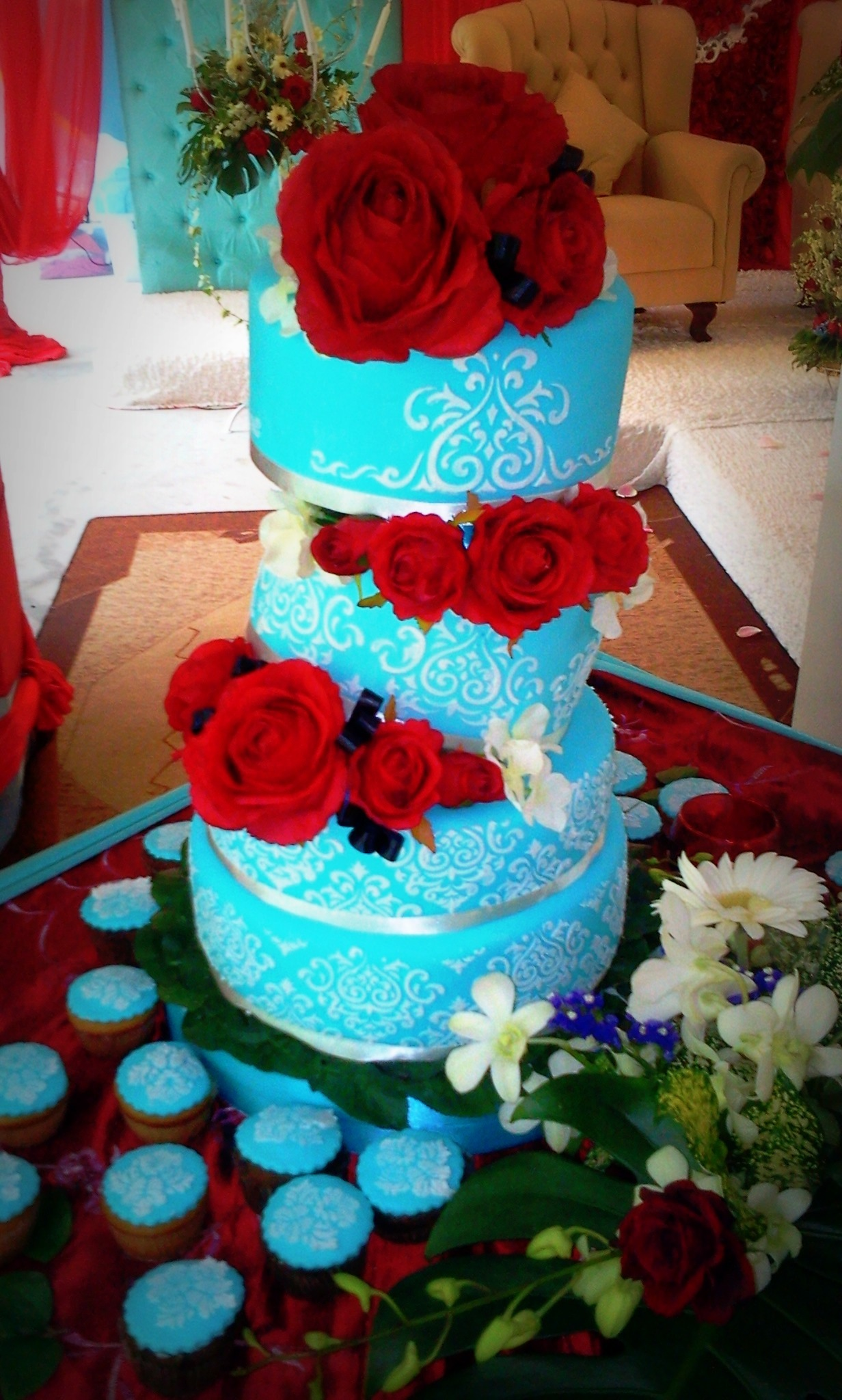 8 Red Blue And Teal Wedding Cakes Photo Tiffany Blue And Red