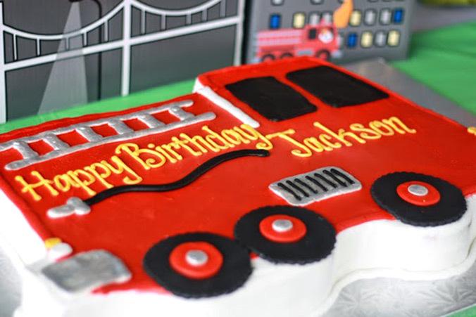 Brilliant 5 Easy Fire Truck Cakes Photo Fire Truck Birthday Cake Ideas Personalised Birthday Cards Beptaeletsinfo