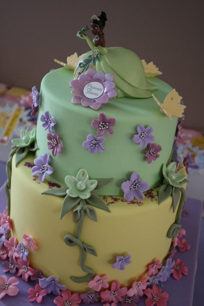 Fine 12 Tier And The Frog Princess Birthday Cakes Photo Princess Personalised Birthday Cards Veneteletsinfo