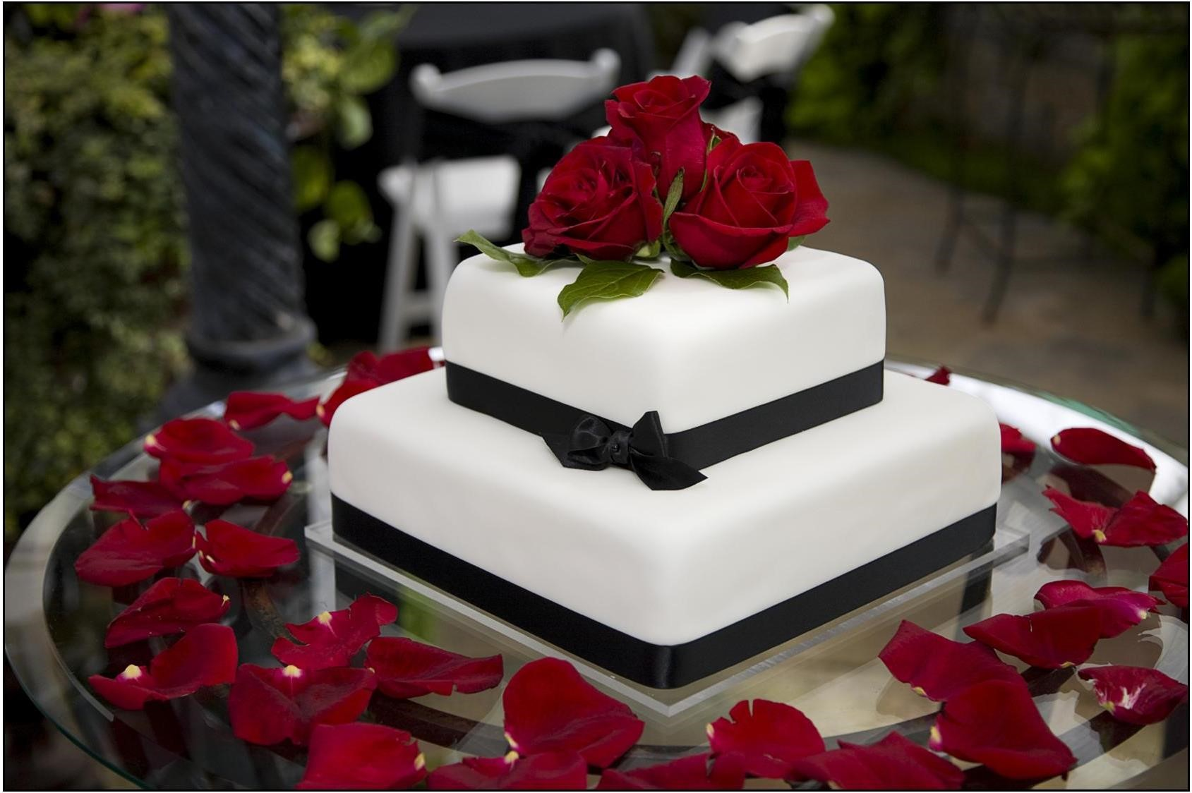 Red Flowers For Wedding Cakes Flowers Healthy