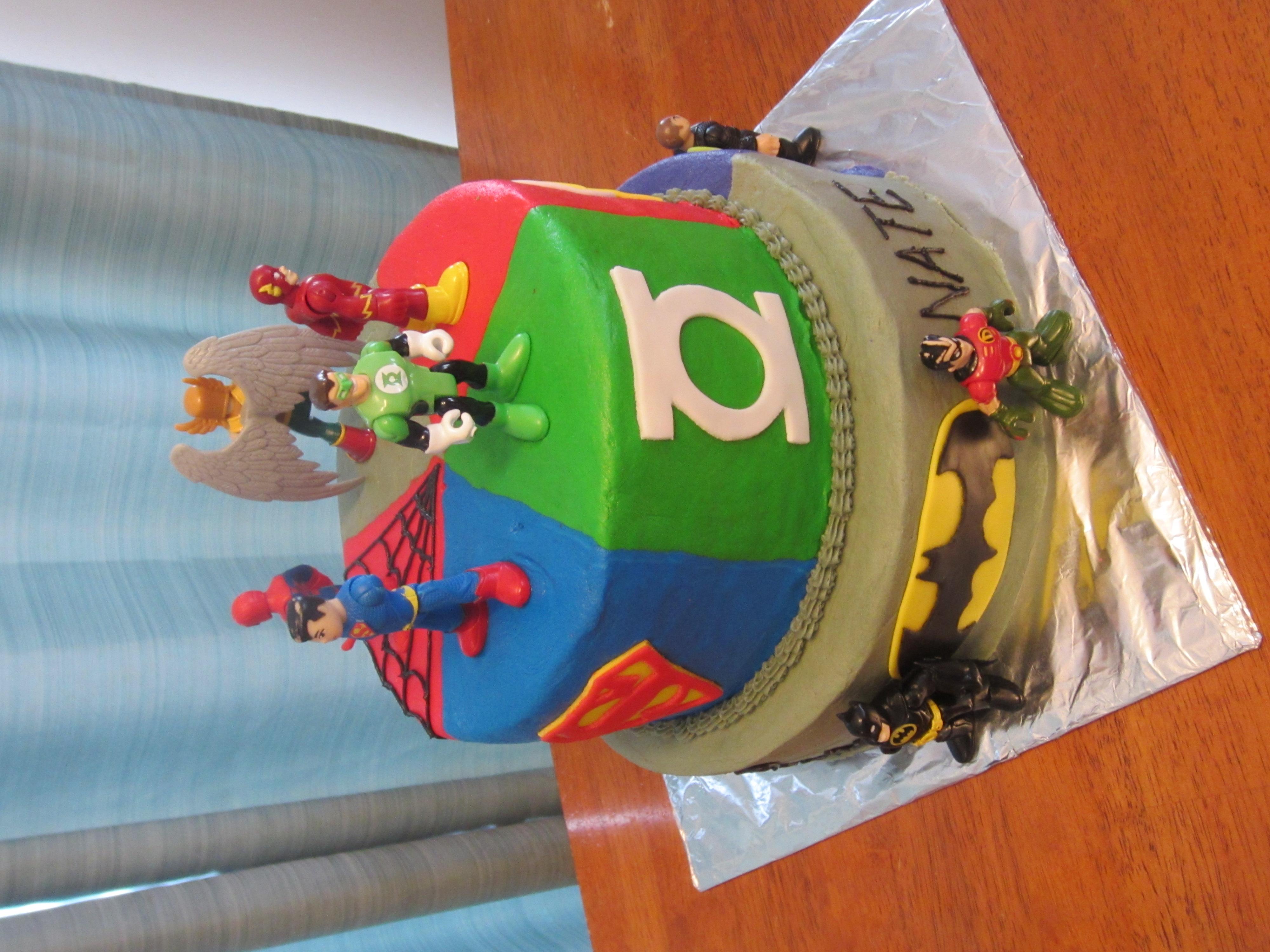 Phenomenal 8 Flash Batman Birthday Cakes Photo Justice League Birthday Cake Funny Birthday Cards Online Amentibdeldamsfinfo