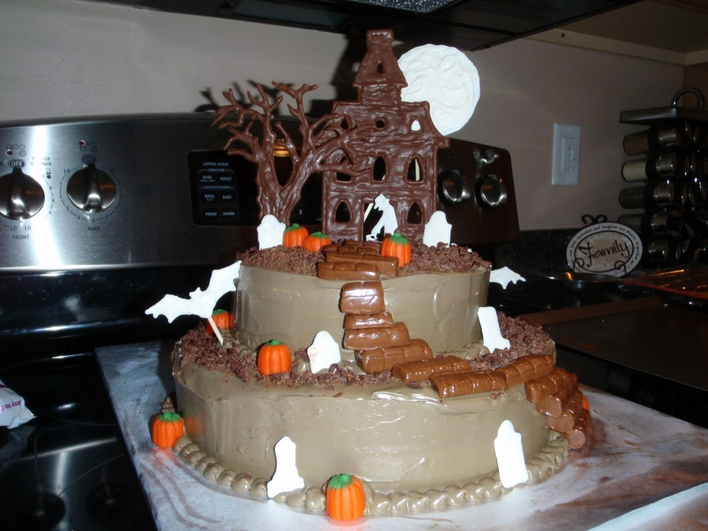 Peachy 12 Haunted Birthday Cakes Photo Halloween Haunted House Birthday Funny Birthday Cards Online Inifofree Goldxyz