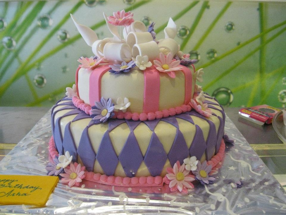 7 Elegant Birthday Cakes For Teens Photo 16th Birthday Cakes Ideas