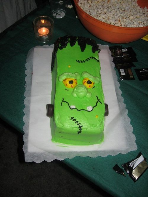 11 Easy Halloween Birthday Cakes Photo Frankenstein Halloween Cake