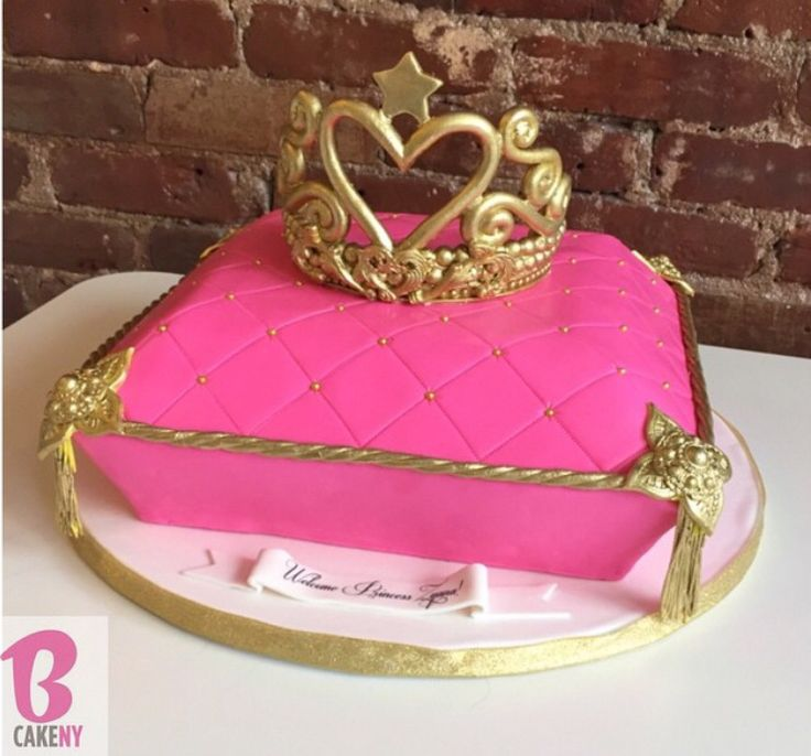 9 Bakery Birthday Cakes Girls Crowns Photo Crown Cake Ideas Pink