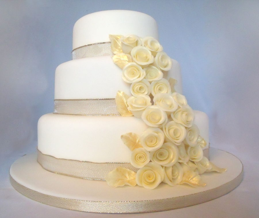 11 Two Tier Wedding Cakes Champagne Photo - Champagne Wedding Cake ...