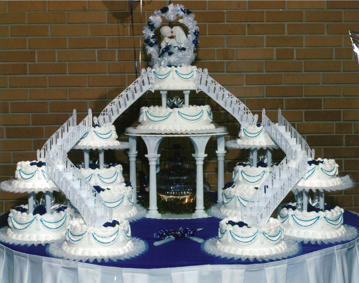 12 Wedding Cakes With Fountains Bridge Kits Photo Bridge Wedding