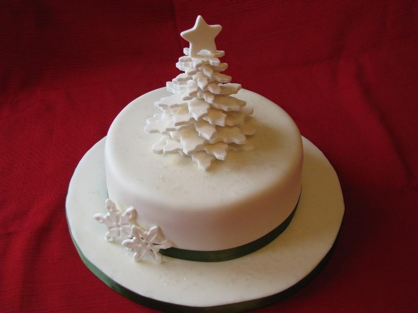 8 Easy Christmas White Cakes Photo Snow Flakes Christmas Cake
