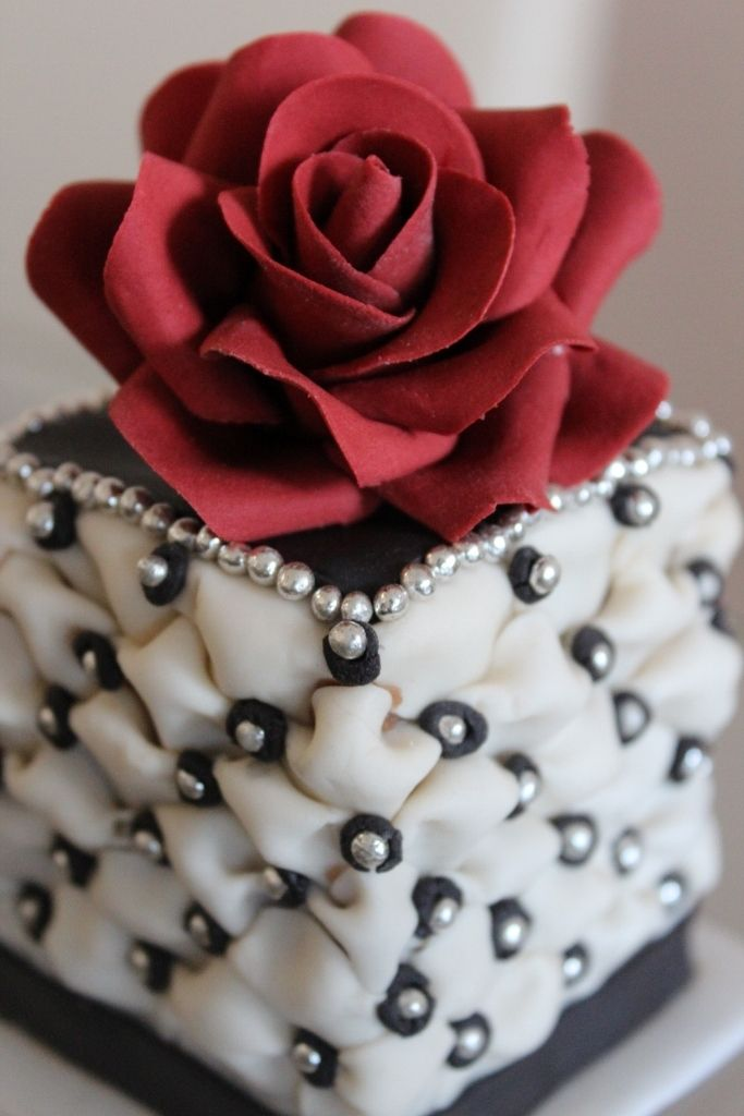 10 Rose Mini Cakes Photo Mini Red Rose Wedding Cake Mini Wedding